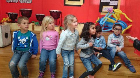 Unsere kleinen Besucher aus Gelsenkirchen beim Kinderfest in der ALKEV Schule